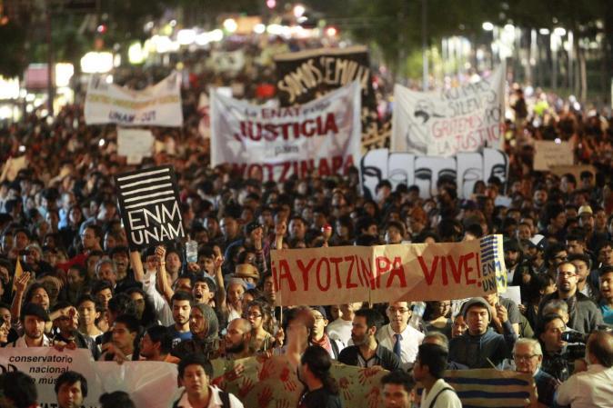 Protesta en la Ciudad de México el 5 de Noviembre.  Fografía tomada del portal http://ellatinoonline.com/