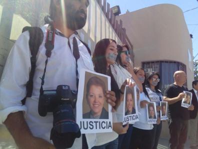 Imagen en http://www.clasesdeperiodismo.com/2017/03/25/asi-fue-la-marcha-de-repudo-de-los-asesinatos-de-periodistas-en-mexico/