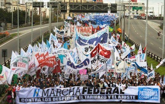 Marcha de docentes en Argentina